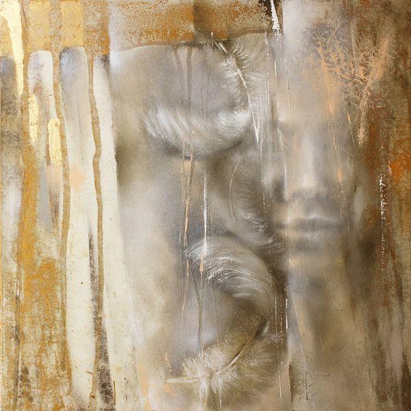 Cora met veren: Variant in goud van Annette Schmucker