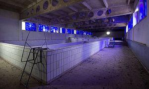 Blue pool van Chris Vermeulen