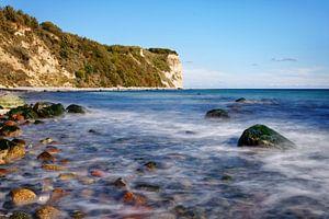rotsachtig strand bij Cape Arkona van Ralf Lehmann