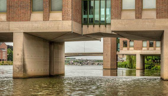 Doorkijkje onder het Provinciehuis in Maastricht