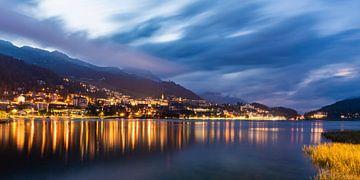Saint-Moritz et le lac Saint-Moritz en Suisse sur Werner Dieterich
