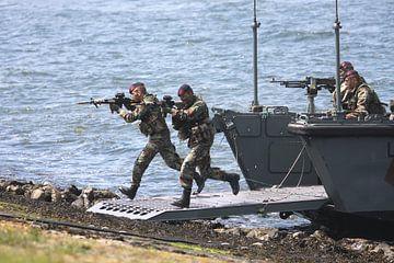 Aanval door leden van het Korps Mariniers van