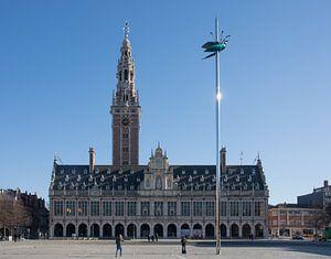 Ladeuzeplein Leuven met universiteitsbibliotheek van