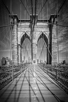 NEW YORK CITY Brooklyn Bridge | monochrom von Melanie Viola