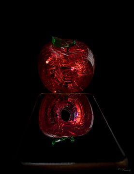 To Be Apple of Not To Be? van Pavlina Luuna Scherrer