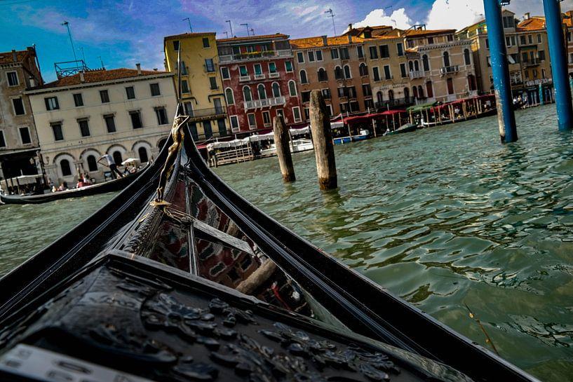 Venetië vanuit een gondel van Jan-Willem Kokhuis