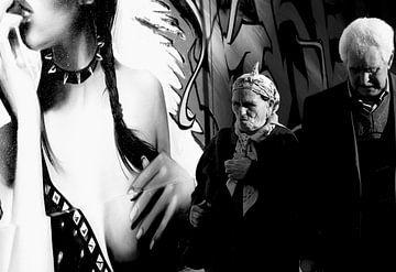 Graffitty & Religion - Paris. von Esh Photography