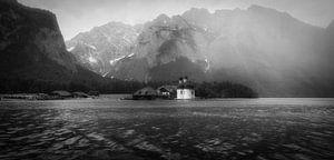 Mistige ochtend in de bergen van Maikel Brands