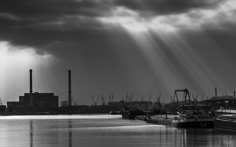 Maashaven Rotterdam van Ilya Korzelius