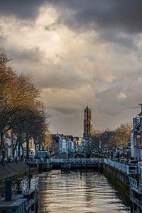 Uitzicht op de Bemuurde Weerd en de Domtoren in Utrecht van