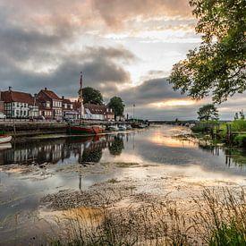 Zonsondergang in Ribe, Denemarken van Gijs Rijsdijk