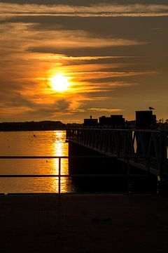Ferry terminal on Amrum in Sunset van Alexander Wolff