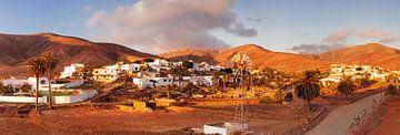 Dorf bei Sonnenuntergang, Fuerteventura, Kanarische Inseln, Spanien von Markus Lange