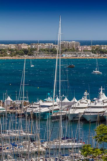 CANNES Harbour and Croisette