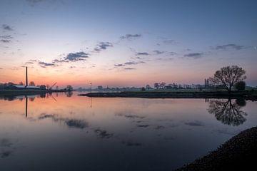 Skyline Ravenswaaij met steenfabriek von Moetwil en van Dijk - Fotografie