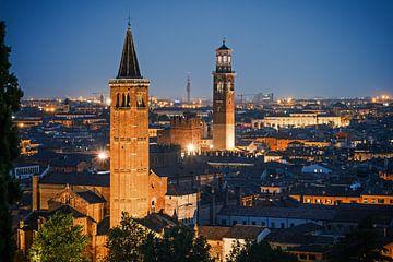Verona at Night sur