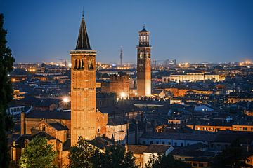 Verona at Night van Alexander Voss
