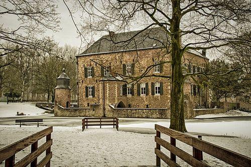 Kasteel Erenstein in de Winter van John Kreukniet