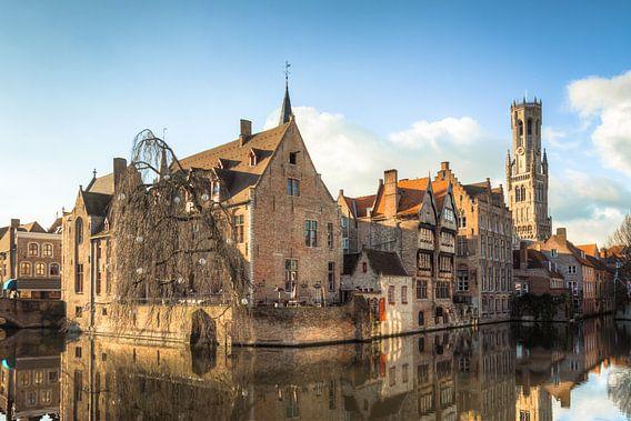 Zicht op Brugge van Frenk Volt