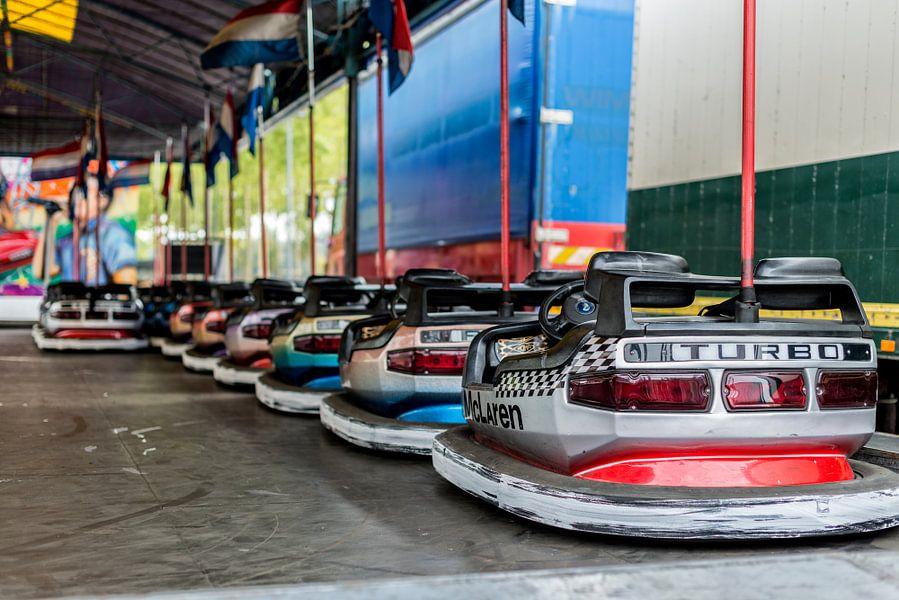 De botsauto's staan er klaar voor!