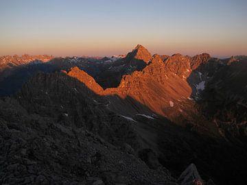 Sunrise in the Mountains van Christian Moosmüller