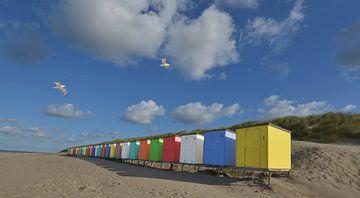 Vrolijk gekleurde strandhuisjes von Gerard Veerling