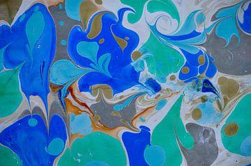 ebru - bloemen in blauw, zwart, sepia en groen van Ellen Tijmes