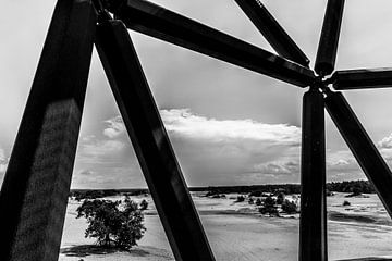 Schwarz-Weiß von Wachturm Kootwijkerzand von Paul van Putten