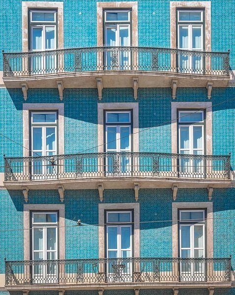 Lissabon facade II van Mark de Boer
