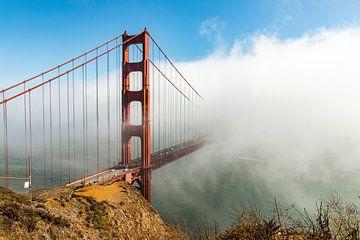 Golden Gate Bridge in de mist van