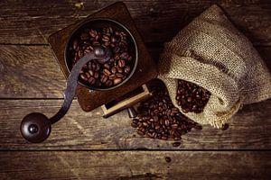 Koffiemolen met bonen