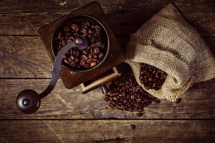 Koffiemolen met bonen van Oliver Henze