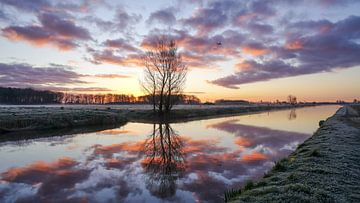 Zonsopkomst aan de Leeweg in Noordwijk van Dirk van Egmond