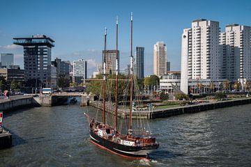 Driemaster Oosterschelde in Rotterdam sur