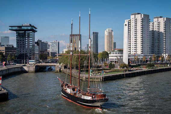 Driemaster Oosterschelde in Rotterdam van Mark De Rooij