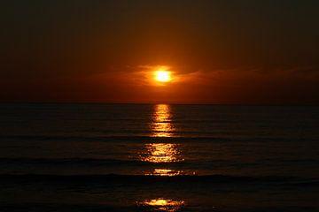 Zonsondergang aan de Noordzee von Clicksby JB