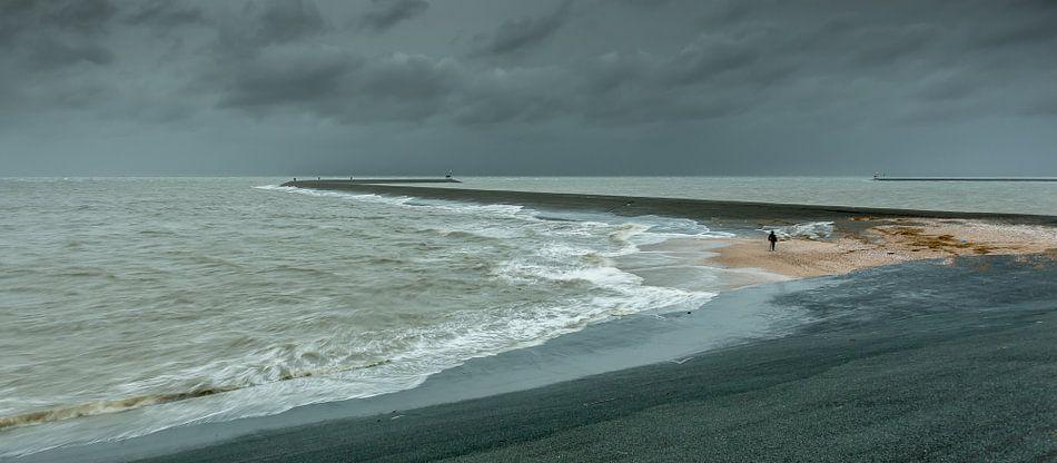 Storm bij de Eemshaven
