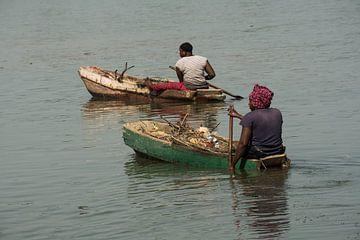 Bootjes in Afrikaanse wateren van Susan van der Riet