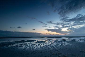 Linien am Strand von Lianne van Dijk