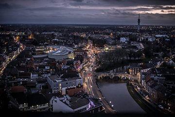 Avond Stadsuitzicht centrum Roermond Limburg Nederland von Margriet Cloudt