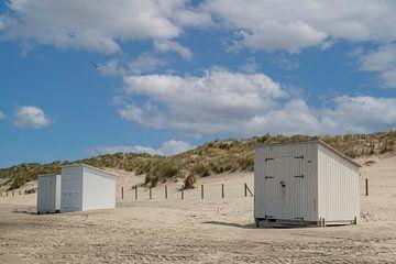 Strandhuisjes op het strand van Ilya Korzelius