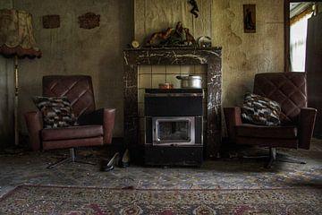Een verlaten woonkamer ergens in België von Melvin Meijer