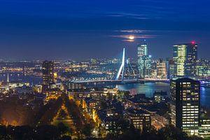 Full moon over Rotterdam