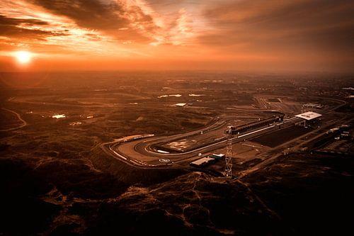 Circuit Zandvoort tijdens zonsopkomst vanuit de lucht