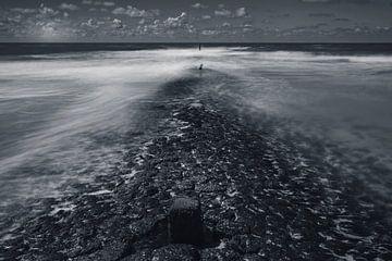 stenen in zee van Peter Heins