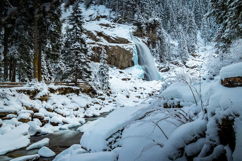 Waterval in de winter van Durk-jan Veenstra