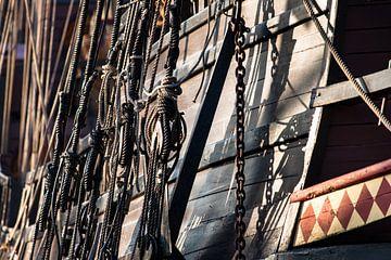 Vintage en retro details van een oude houten zeilschip van
