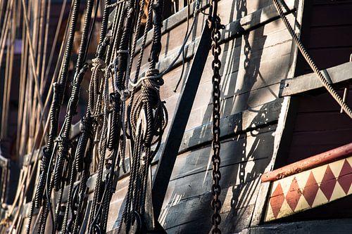 Vintage en retro details van een oude houten zeilschip