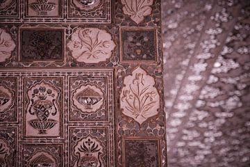 Mozaik in het Amber Fort van Jaipur van Karel Ham