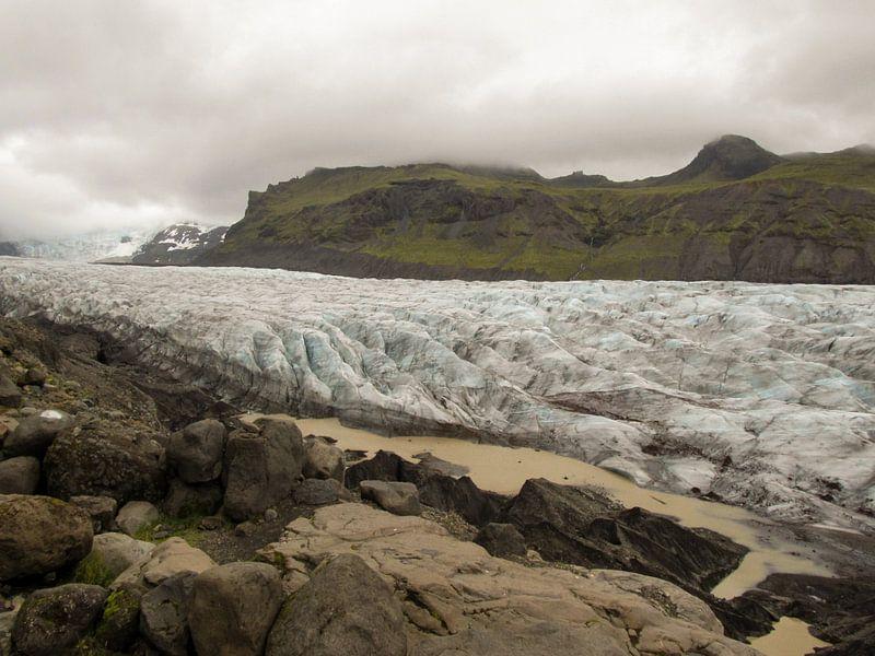 Svinafellsjokull gletsjer van Louise Poortvliet
